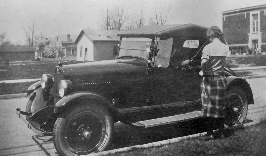 A Maxwell, probably close to the model Grandpa had. He loved to take the family on drives in the country.