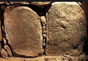 Gavrinis_stones,_Wikipedia_image